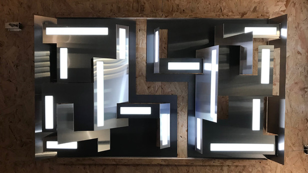 kinetic oled light sculpture 2018