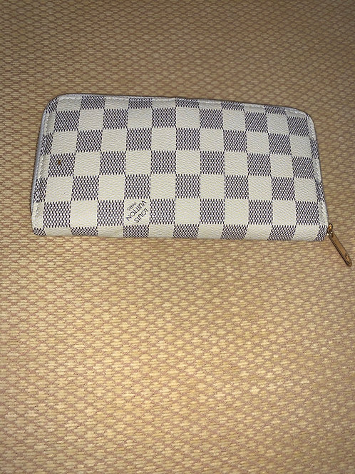 Louis Vuitton Wallet (Look a like)