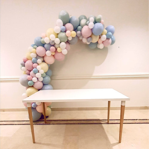 Garland and cake table