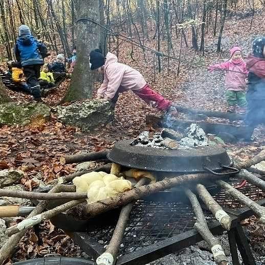 schlangebrot bei der Walderlebnisgruppe