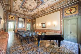 Palazzo Pesce_Sala Etrusca 4.jpg