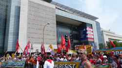 Start of March at the Newseum