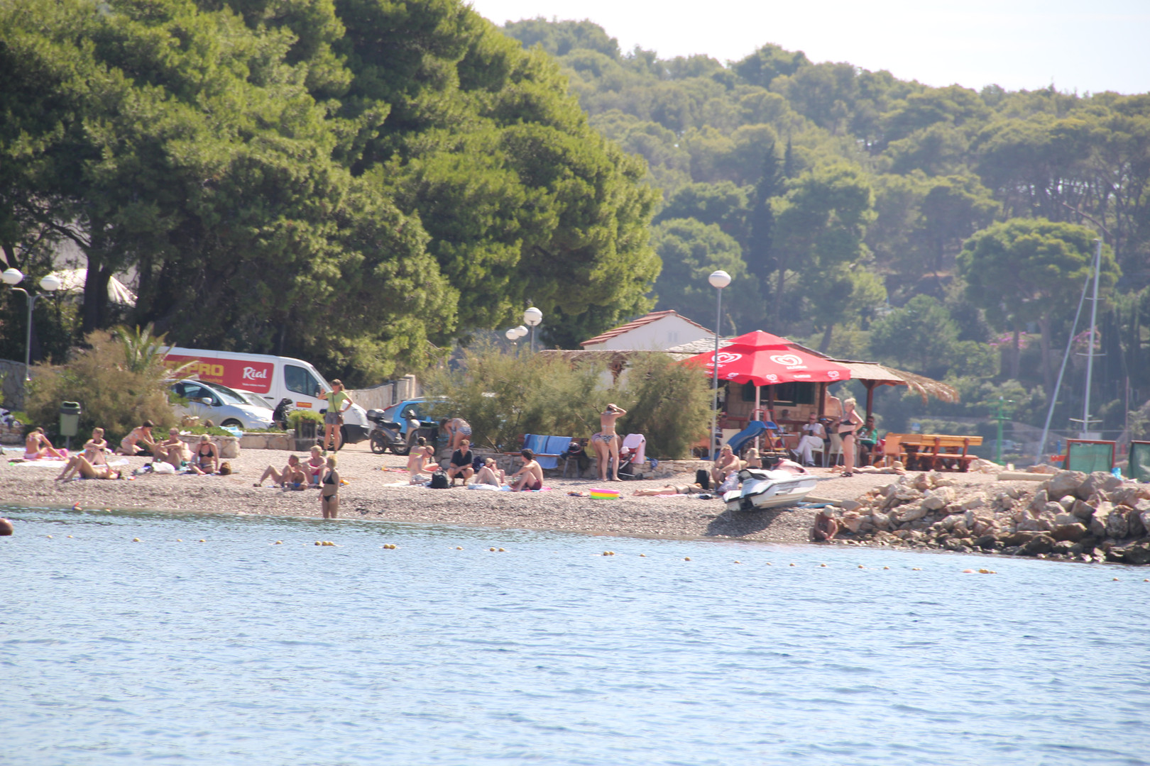 Local beach in Maslinica | Villa Berg