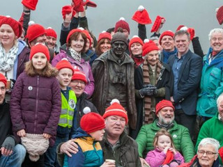 Tom Weir statue unveiled on shores of Loch Lomond