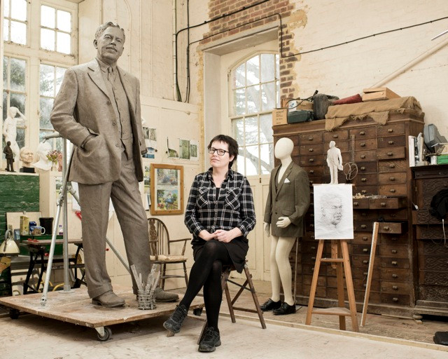 Hazel Reeves and Gresley Statue – photo by Andy Fallon