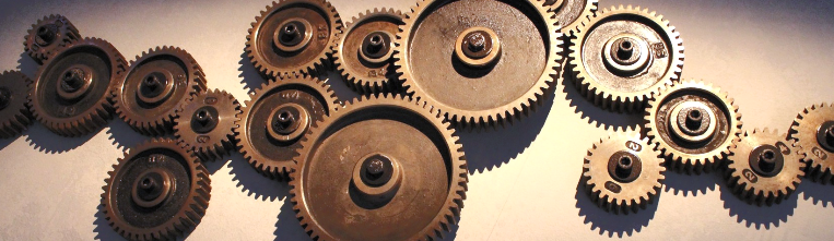 Gearboxes vibrate often / Pixabay: gears-4191907_1920 edited