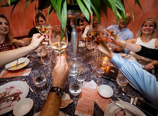 No clima de verão, Confraria do Vinho realiza última edição de 2019