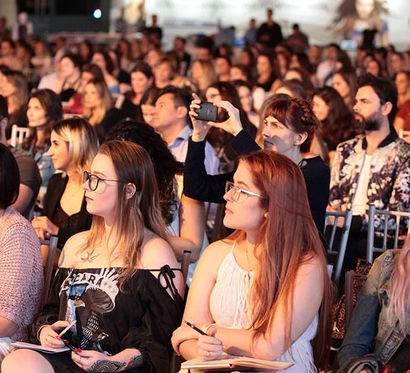 Público no palco principal do ONDM em 2017. Crédito: Dales Hoeckesfeld