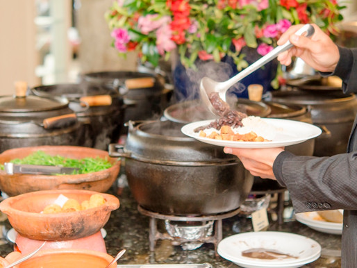 Feriadão terá Coelho da Páscoa, shows e gastronomia temática