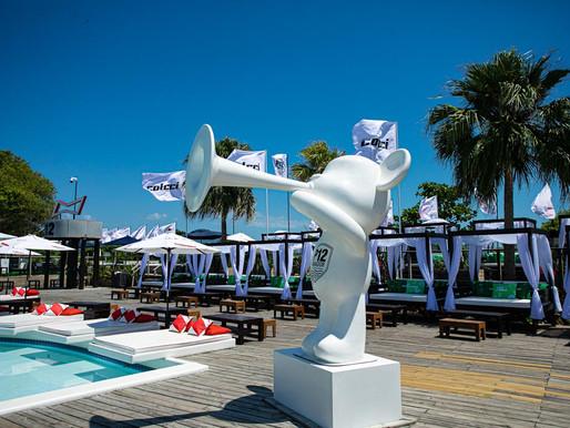 Thiaguinho é atração do Hot Summer 2020 e sobe ao palco do P12
