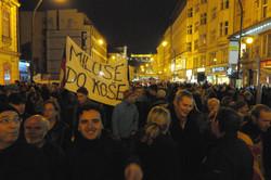 Miloš do koše ( Miloš to the trash)