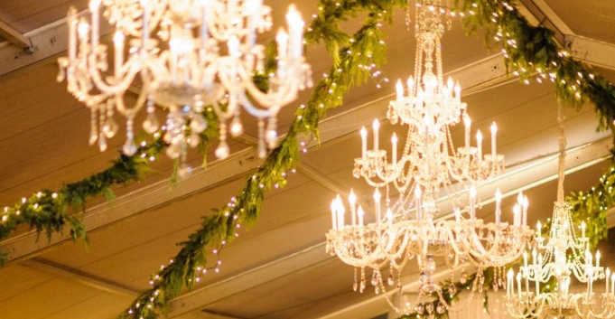 Extra and Large Crystal Chandeliers (1).