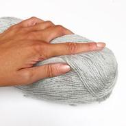 Une pelote de laine , le plaisir de tran
