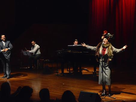 Radiotanda en Teatro Finis Terrae. Ximena Rivas se convierte en ma Desideria