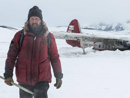 Mads Mikkelsen brilla en el infierno blanco de El Ártico