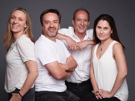 No + Excusas en Teatro Bellavista. Claudio Arredondo dirige y protagoniza exitosa obra catalana