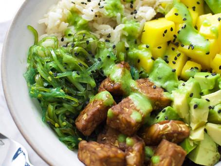 Bowl vegano de tempeh y mango