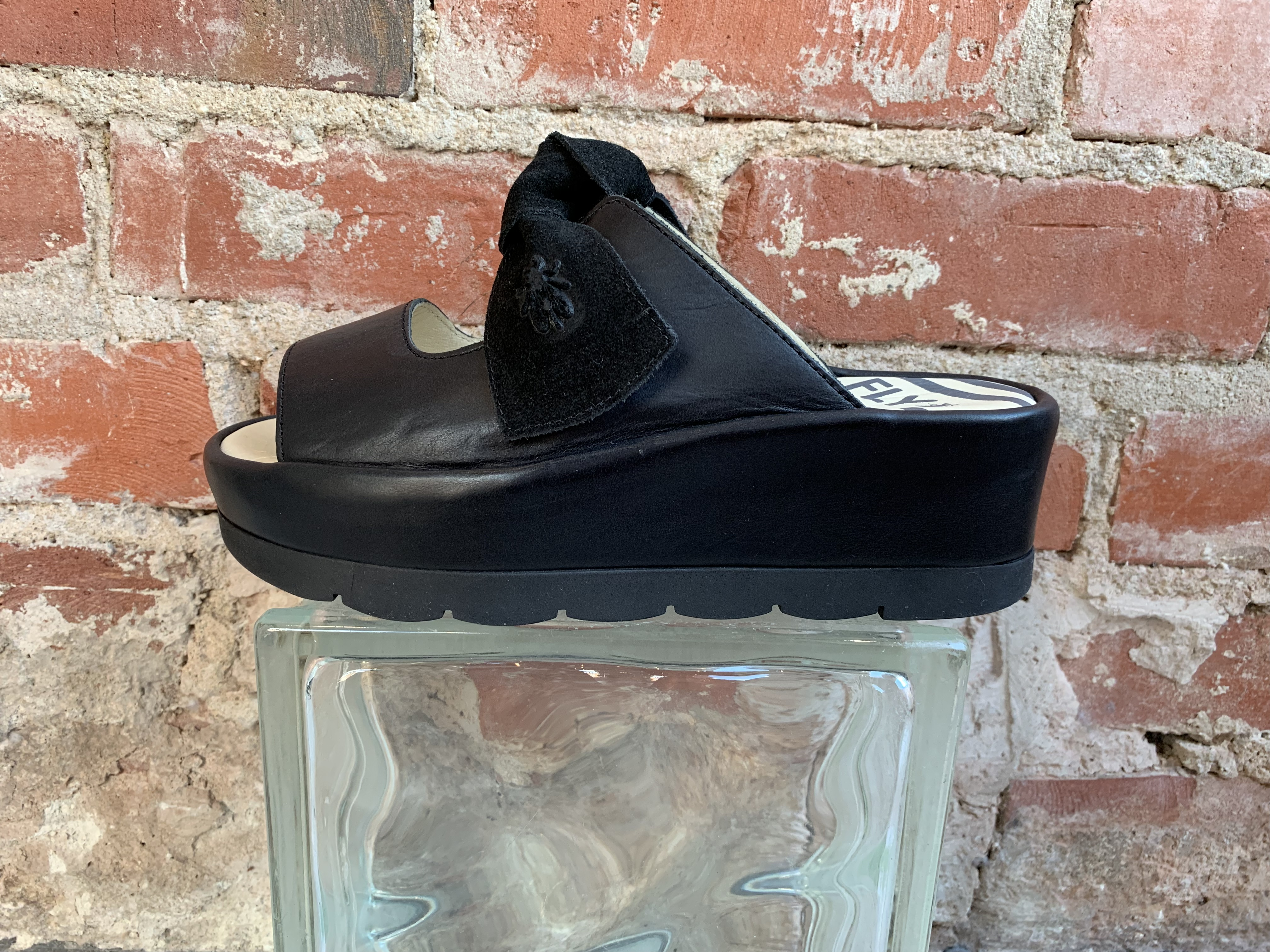 sandals black high