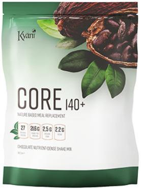 Ersatz für nährstoffreiche Mahlzeiten  Kyäni Core140+ ist ein nährstoffreicher Mahlzeitenersatz-Shake, der über die grundlegenden Makronährstoffe hinausgeht und biologisches grünes Gemüse, Verdauungsenzyme, Probiotika, natürliche Vitamine und Mineralstoffe, organische Fasern und Adaptogene miteinander vereint. Mit Core140+ wirst du eine ausgewogene, gesunde Ernährung entdecken, die unglaublich bequem ist.