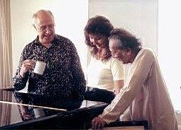 Jana Boušková together with Mstislav Rostropovich and Ravi Shankar, 1999