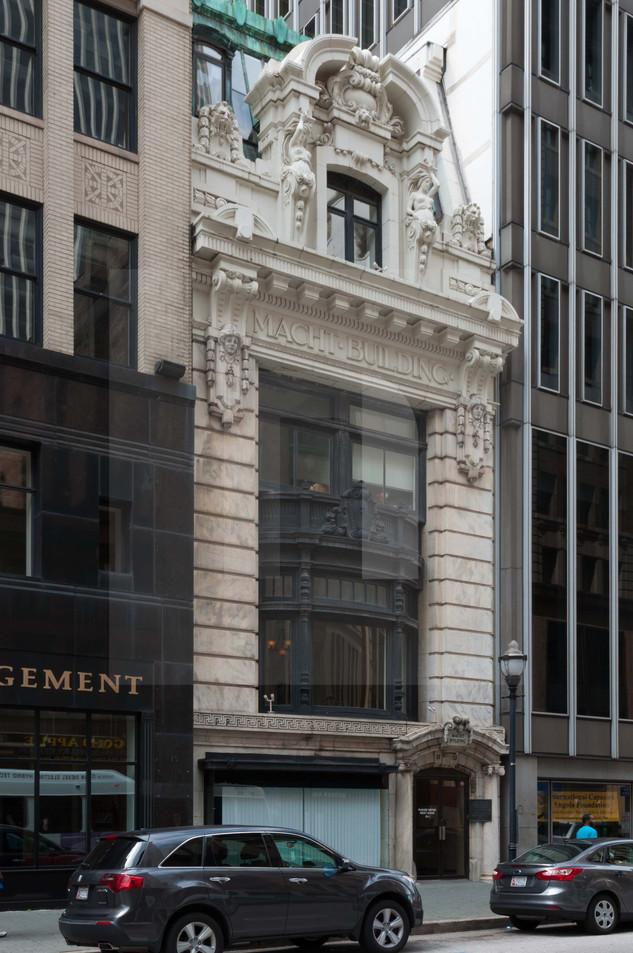 Macht Building