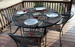 Dine outdoors with your friends