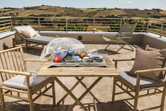 Terrasse   Casale tre gelsi   Hotel   B&B   Marken   Italien
