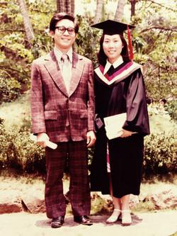 台神畢業典禮:(左)賴俊明牧師