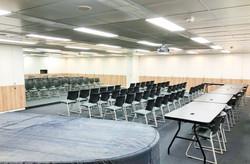八樓805音樂教室(70人)
