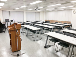 八樓802教室(46人)