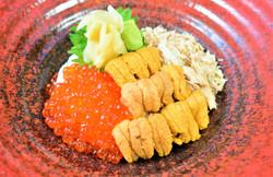 雲丹・いくら・蟹の丼 $34