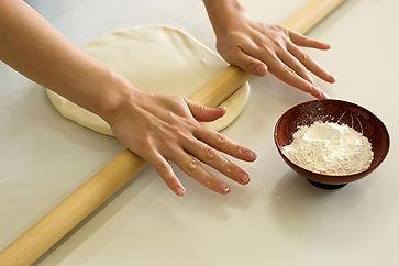 rolling-udon-noodles