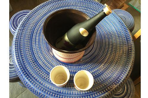 冷酒クーラーとペアカップ