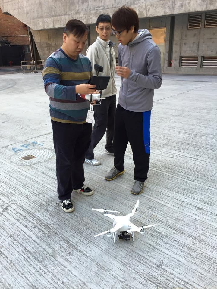 香港理工大學入手飛行器同日進行教學及示範講解。