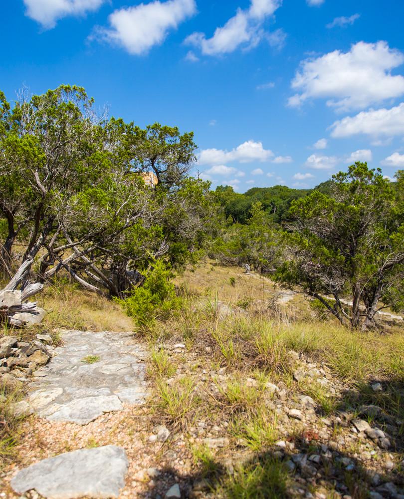 Sinya path w rock steps.jpg