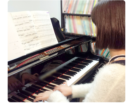 ベーシックなピアノ教室(メイン写真).png