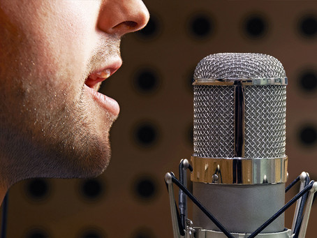 Top 6 Things That Mark a Great Virtual Voice Studio