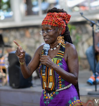 Ɛna Njideka Speaking at Vibrant Vegan Society of Ghana Expo