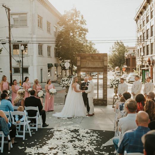 Ashley & Tanner // Downtown Roseburg Wedding