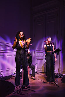 Lauria - Montreal artist performing at the Hôtel Salomon de Rothschild, Paris