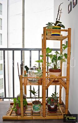 Portamacetas en gradas de 3 pisos