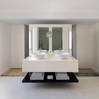 Bathroom Presidential Suite, Radisson Blu Deira Dubai.
