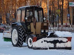 Трактор-щетка
