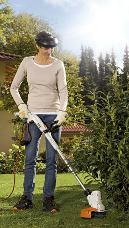 woman-brushcutter-trimmer-electric-stihl
