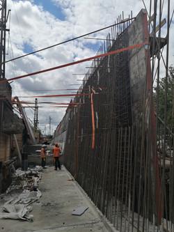 Výstavba nové opěrné zdi Praha-Radotín