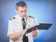 Should a pilot use an Electronic Logbook?