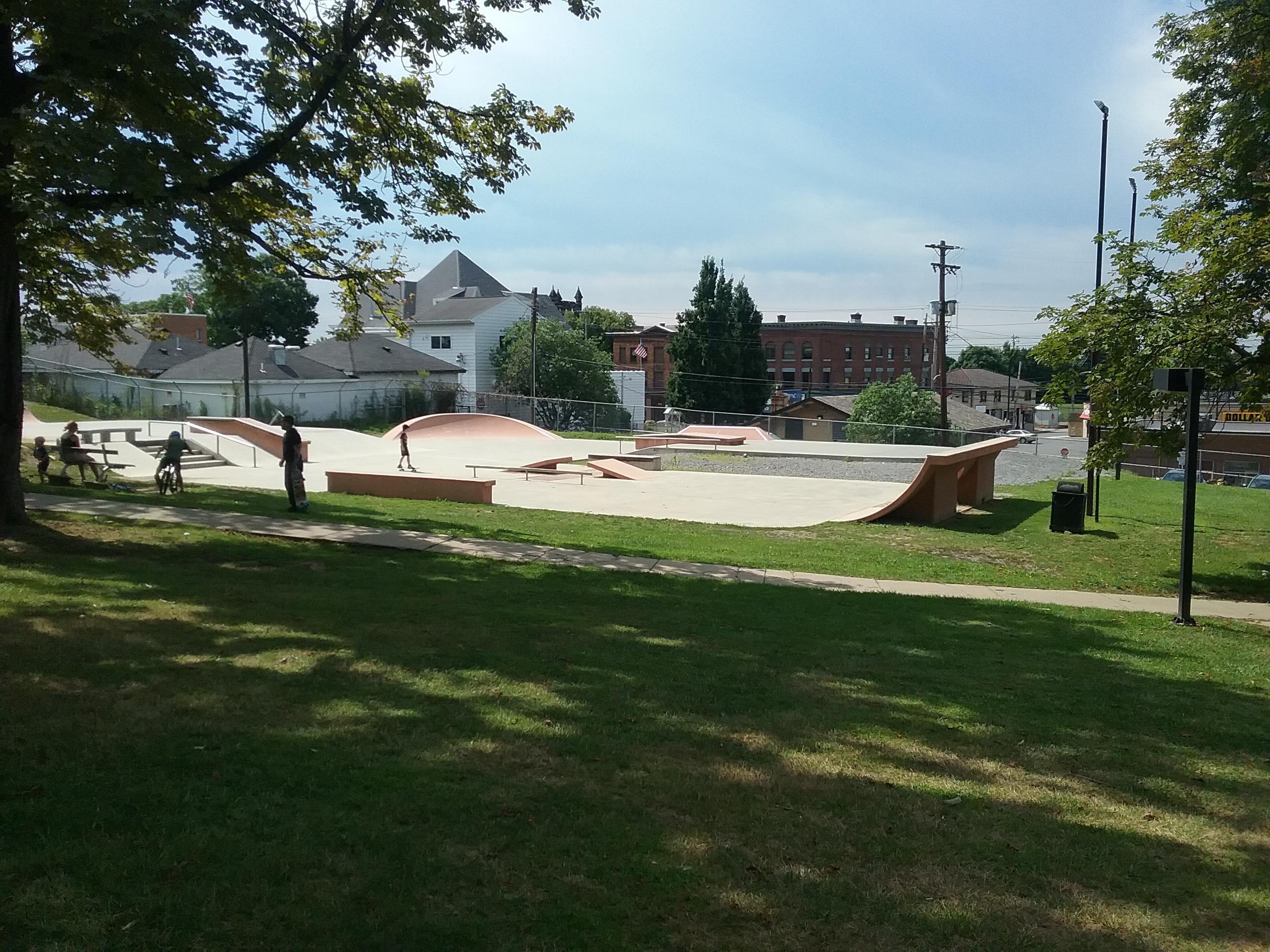 Skate Plaze Wide View - Bayne Park