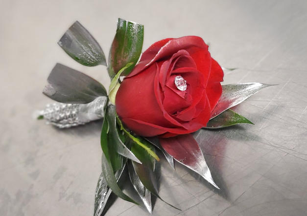 RED & SILVER ROSE BOUT
