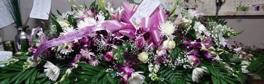 FULL CAKET SPRAY WITH ORCHIDS