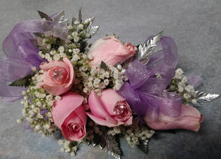 FIVE ROSE CORSAGE